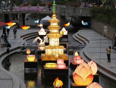 FOTO: Seoul Berhias Lentera Jelang Perayaan Ulang Tahun Buddha