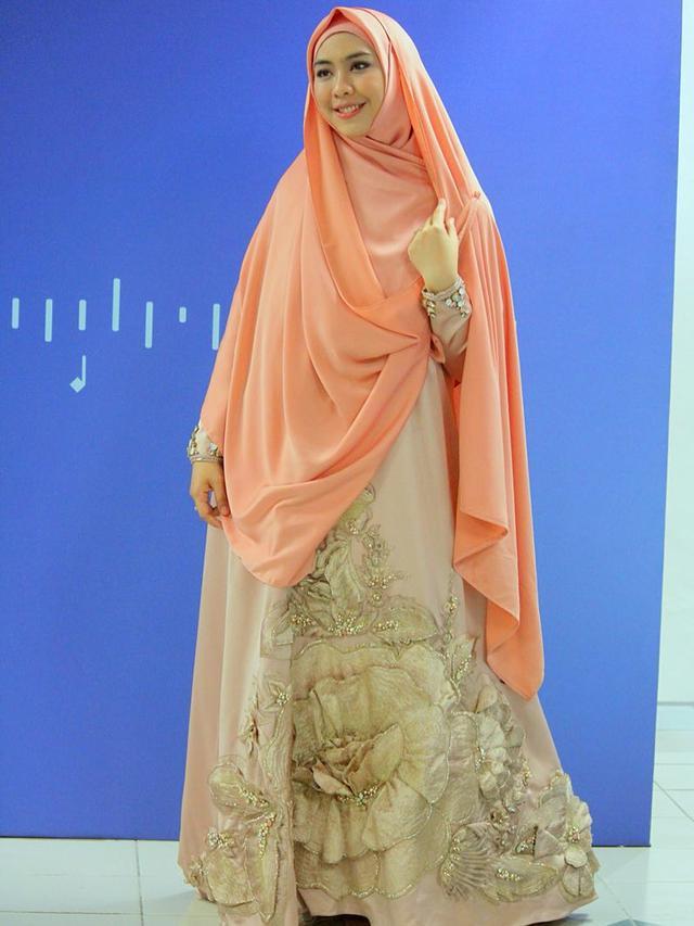 Lihat Aksi 22 Mei Oki Setiana Dewi Bermunajat Untuk Indonesia