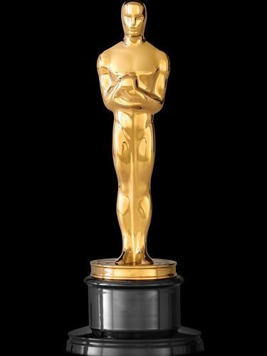 Piala Oscar. (Foto: Instagram @kevinhart4real)