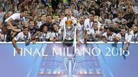 Skuat Real Madrid rayakan juara Liga Champions 2015-2016 (Reuters)