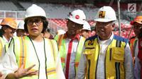 Menkeu Sri Mulyani (kiri) bersama Menteri PUPR Basuki Hadimuljono dan Sesmenpora Gatot S Dewa Broto (tengah) meninjau Stadion Utama Gelora Bung Karno di Senayan, Jakarta, Kamis (23/11). (Liputan6.com/Pool/Sesmenpora)