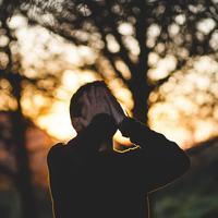 Ilustrasi stres. Sumber foto: unsplash.com/Francisco Moreno.