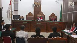 Suasana sidang lanjutan Mantan Plt Ketum PSSI Joko Driyono di Pengadilan Negeri Jakarta Selatan, Jakarta, Selasa (28/5/2019). Sidang lanjutan Joko Driyono dengan agenda mendengarkan keterangan 4 saksi ahli dan 3 saksi fakta. (Liputan6.com/Herman Zakharia)