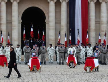 Upacara Pemakaman 13 Tentara Prancis yang Tewas di Mali