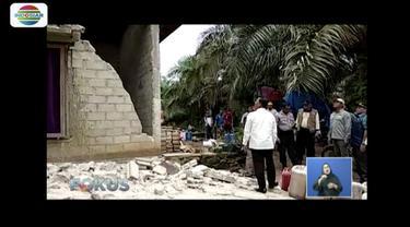 Gempa kembali gunjang Solok Selatan, Sumatera Barat pada Jumat (1/3) pagi, warga enggan kembali ke rumah.