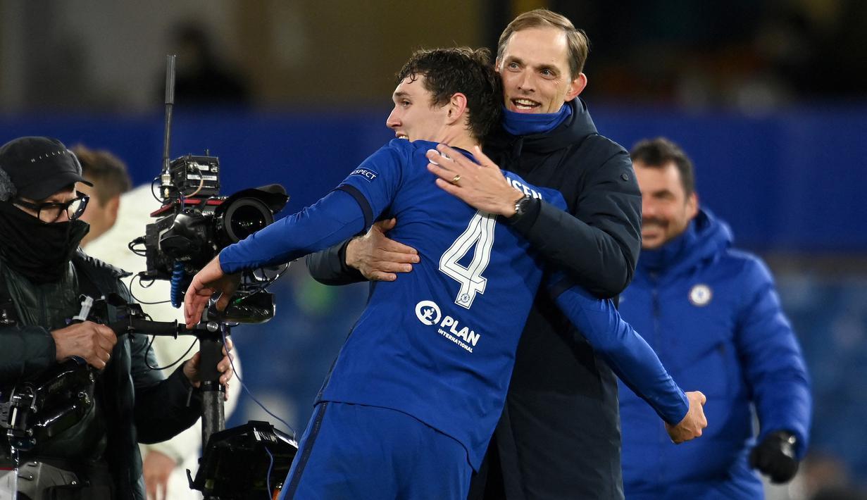 Kesuksesan Chelsea membungkam Real Madrid 2-0 sekaligus menyingkirkan tim berjuluk Los Galacticos di leg kedua semifinal Liga Champions 2020/2021, Rabu (5/5/2021) menorehkan beberapa fakta menarik. Berikut 6 di antaranya. (AFP/Glyn Kirk)