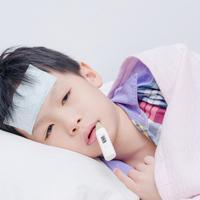 Anak Demam, Bolehkah Kerokan? (All About People/Shutterstock)
