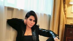Tak hanya aktif di dunia peran, Vicky juga beberapa kali tampil sebagai presenter. (Liputan6.com/IG/@vickyzainal24)
