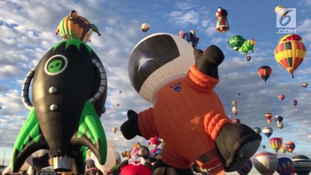 Festival tahunan ini pertama kali digelar pada tahun 1972. Langit di New Mexico menjadi penuh dengan balon udara.