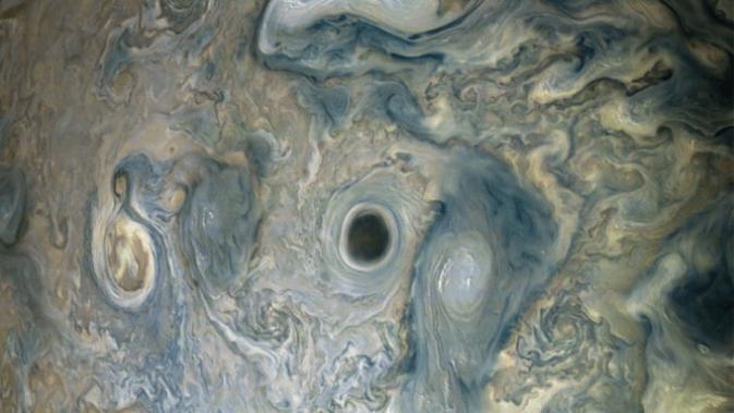 Penampakan jurang misterius di permukaan Jupiter (NASA)