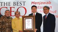 Presiden Direktur Alfamart, Anggara Hans Prawira saat menerima penghargaan. (Foto:@Alfamart)
