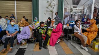 FOTO: Pelaksanaan Vaksinasi COVID-19 di Surabaya