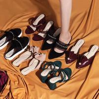 Valencia Limite berkolaborasi dengan Carendelano merilis koleksi sepatu Privee. Sumber foto: Akun Instagram @valencia.limite.