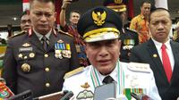 Edy mengajak masyarakat Kota Medan untuk mendoakan Dzulmi Eldin agar masalah tersebut bisa diselesaikan. Dirinya juga biarkan penegak hukum yang bekerja se-objektif mungkin.