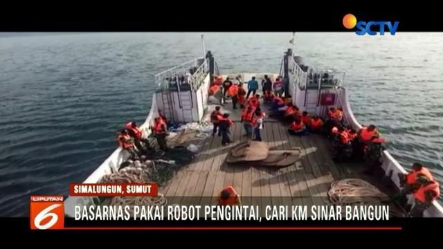 Tim Basarnas mulai menggunakan ROV, yaitu robot canggih untuk mencari keberadaan KM Sinar Bangun di perairan Danau Toba. Sudah 10 hari mencari, namun tim belum juga menemukan satu pun dari 164 korban yang hilang.