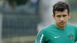 Egy nantinya akan menggunakan nomor punggung 10, warisan dari eks penggawa tim nasional Polandia, Sebastian Mila. (Bola.com/M Iqbal Ichsan)