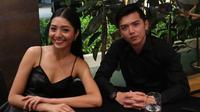 Kabar mengejutkan dari pasangan Nicky Tirta dan Liza Elly Purnamasari. Pasangan yang tak pernah terdengar gosip miring rumah tangganya itu dikabarkan sedang tak harmonis. (instagram/nickytirta)