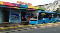 Transjakarta memberikan fasilitas gratis untuk masyarakat yang ingin menyaksikan langsung pertandingan Asian Games 2018. (Bola.com/Benediktus Gerendo)