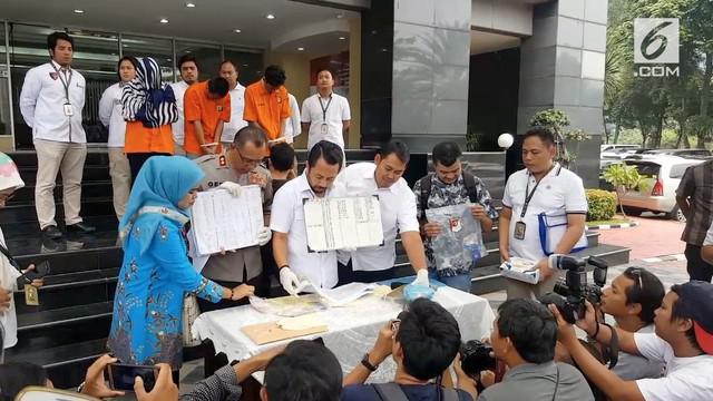 Beberapa PSK ditangkap di apartemen Kalibata City oleh kepolisian. Diantara beberapa PSK, terdapat mucikari juga yang ikut ditangkap.