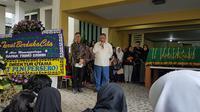 Dirut PLN datang ke rumah duka pegawainya yang jadi korban tsunami Selat Sunda. Dok: PLN