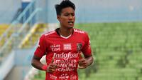 Bek kanan Bali United, Andhika Wijaya. (Bola.com/Iwan Setiawan)