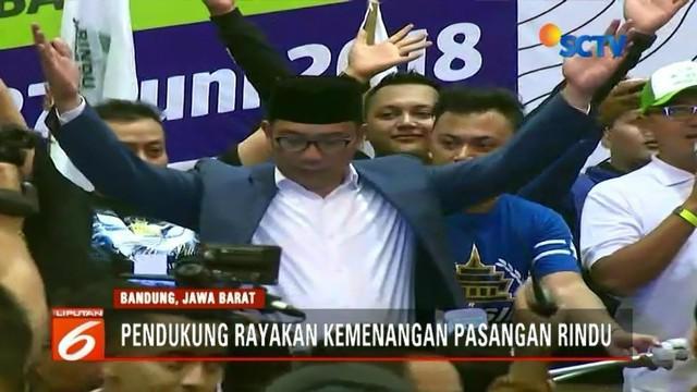 Ridwan Kamil dan para pendukungnya merayakan kemenangan berdasar hasil hitung cepat Pemilihan Gubernur Jawa Barat. Para kandidat Gubernur Jawa Barat lainnya mengakui keunggulan pasangan Ridwan-Uu.