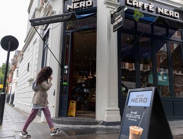 Kedai Kopi di London Terapkan Jaga Jarak Sosial
