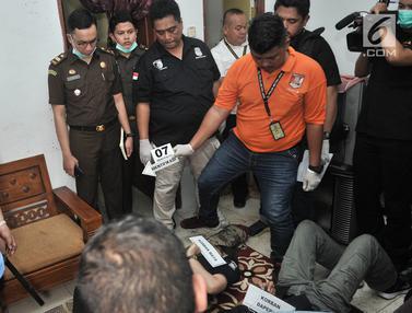 Rekonstruksi Pembunuhan Satu Keluarga di Bekasi