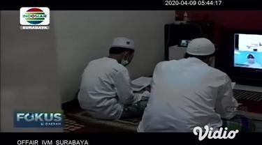 Ikhtiar batin menghadapi Covid-19 dilakukan para pelajar MTsN 6 Malang dengan menggelar doa bersama melalui live video di rumahnya masing-masing. Melalui doa bersama live video tersebut, mereka berharap supaya virus corona segera hilang.