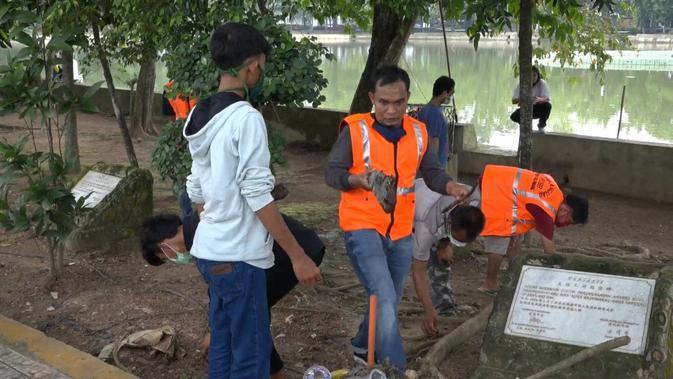 Sanksi Sosial Pelanggar PSBB Palembang, Mulai Dari Menyapu Hingga Sikat Toilet