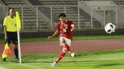 Kadek Agung juga menjadi pemain yang beberapa kali menjadi eksekutor bola mati, selain Adam Alis, ketika Timnas Indonesia mendapat kesempatan dari tendangan bebas atau sepak pojok. (Foto: Bola.com/M. Iqbal Ichsan)
