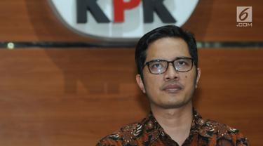 KPK Beri Keterangan Terkait Gratifikasi Proyek Tower BTS Bupati Mojokerto