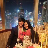 Kisah cinta pasangan Caesar Hito dan Felicya Angelista sudah menginjak lima tahun. Hal yang berbeda dilakukan Caesar saat merayakan hari jadi keduanya. (Instagram/hitocaesar)