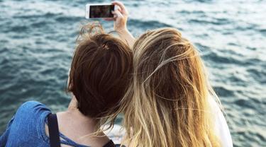 Ilustrasi Selfie. Kredit: Rawpixel via Pixabay