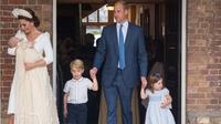 Pangeran George dan Princess Charlotte (Foto: DOMINIC LIPINSKI / POOL / AFP)