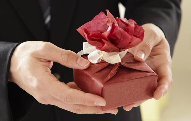 Sering memberi hadiah./Copyright pexels.com