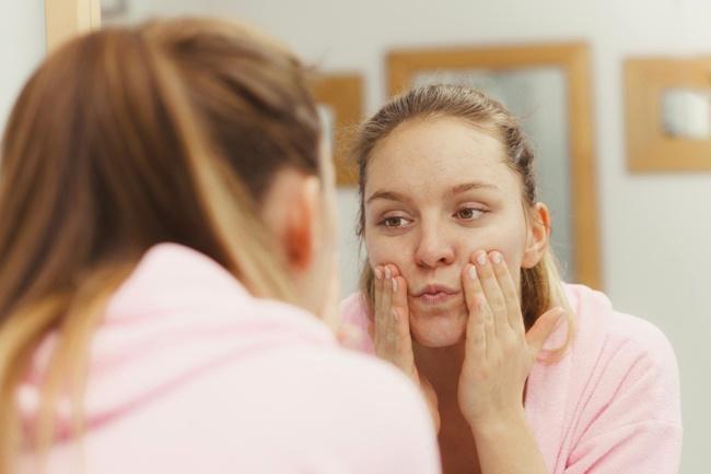 Perlalukan wajah dengan lembut agar senantisa cantik dan terawat/copyright shutterstock.com
