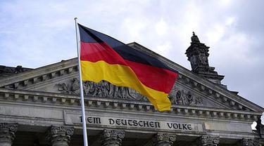 Beri Hormat ala Nazi, Turis Ini Ditangkap Saat Wisata di Jerman