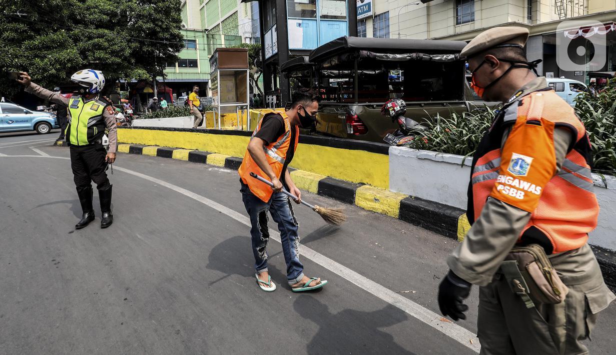 092449400 1600076471 20200914 Razia Masker PSBB Jakarta 1