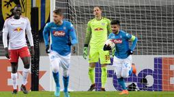 Penyerang Napoli, Lorenzo Insigne usai mencetak gol ke gawang RB Leipzig pada 32 besar Liga Europa di Red Bull Arena, (22/2). Napoli tersingkir karena kalah agresivitas gol tandang setelah takluk 1-3 pada leg pertama di San Paolo. (AP Photo / Jens Meyer)