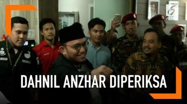 Juru Bicara BPN Prabowo-Sandi, Dahnil Anzar memenuhi panggilan polisi sebagai saksi dalam dugaan kasus dugaan korupsi dana acara kemah Pemuda Islam Indonesia 2017.