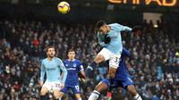 Pemain Manchester City, Gabriel Jesus mencetak gol ke gawang Everton dalam Liga Inggris di Stadion Etihad, Manchester, Inggris, Sabtu (15/12). Gabriel Jesus mencetak dua gol. (Martin Rickett /PA via AP)