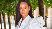Rihanna (Instagram/badgalriri)