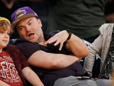 Aktor, Musisi Sampai Petinju Nonton NBA Los Angeles Lakers vs Washington Wizards