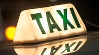 Beberapa orang terutama kaum hawa seringkali merasa takut saat menumpang taksi sendirian. Lakukan tips ini supaya jauh dari bahaya.