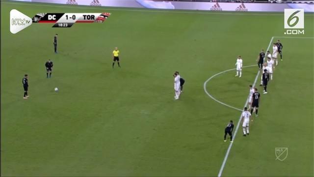 Wayne Roonet buktikan masih bertaji dengan ciptakan gol tendangan bebas jarak jauh bagi DC United.