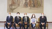 Dubes RI untuk Jepang Heri Akhmadi bertemu dengan Gubernur Prefektur Hyogo Jepang, Saito Motohiko. (Foto KBRI Tokyo)