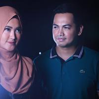 Eksklusif  Tommy Kurniawan - Lisya Nurrahmi. (Fotografer: Adrian Putra, Stylist: Indah Wulansari, MUA: Sarah Sadiqa, Digital Imaging: Nurman Abdul Hakim/Bintang.com)