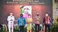 Peraih penghargaan Kalpataru 2020 kategori Perintis dari Bengkalis, Riau. (dok. Biro Humas KLHK)