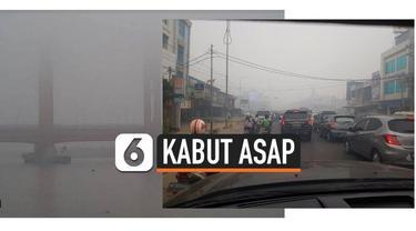 Kabut asap yang terus melanda wilayah Palembang, Sumatera Selatan membuat warganet ramai-ramai mengunggah postingan tentang kabut asap dengan tagar #SavePalembang.